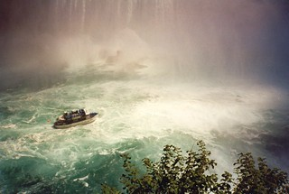 Maid Of The Mist - Niagara