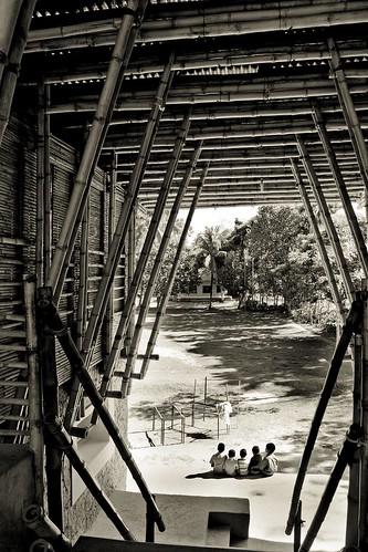 school construction mud desi bangladesh dinajpur rammedearth meti dipshikha rudrapur annaheringer agakhanaward eikeroswag