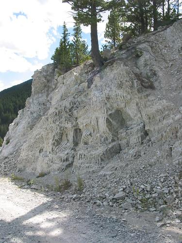 geology igneousrocks nagtteachingpetrologyworkshop2003 stillwaterintrusion rhythmicallybandedgabbro