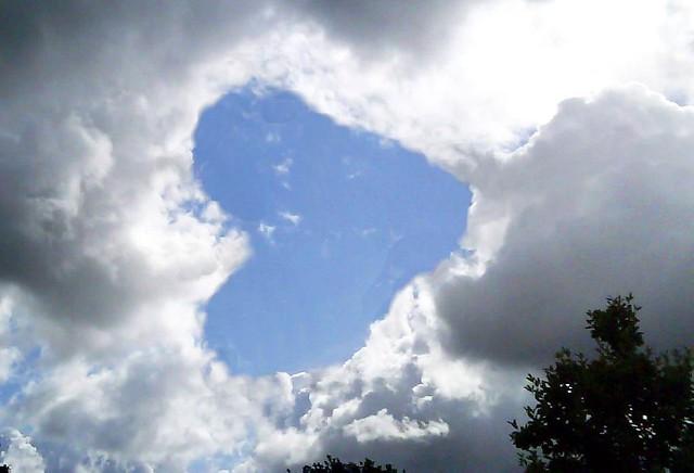 2008-07-17 Herz & Himmel / sign at the sky
