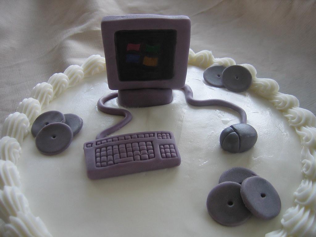 Computer BirthdayCake - Close Up   Computer Birthday Cake wi…   Flickr