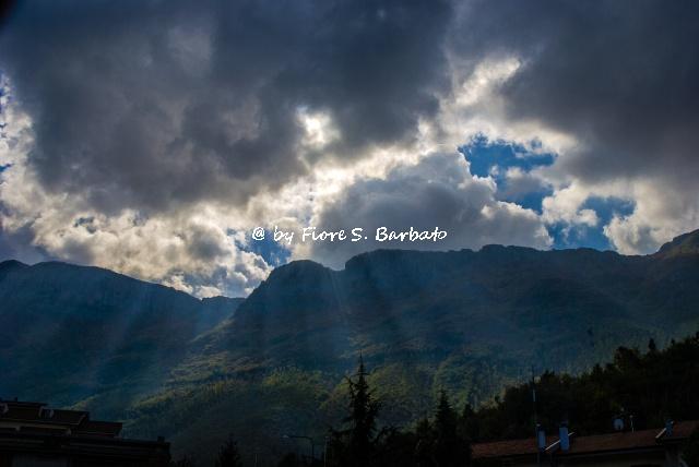 Sicignano degli Alburni (SA), 2008, La catena dei Monti Alburni.