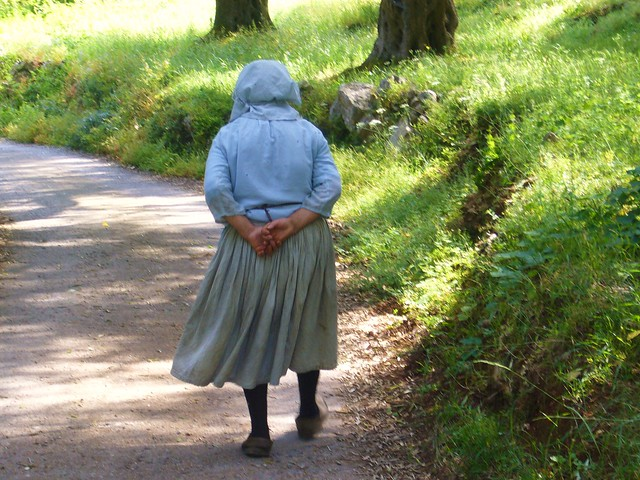 Greece , KORFU - alte Frau , alle Zeit der Welt ?   - 04