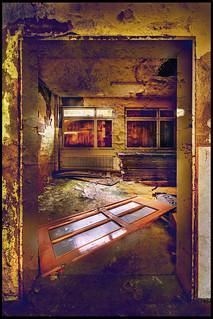 decay - the door   by Wolfgang Staudt