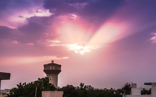 Sun set in clouds