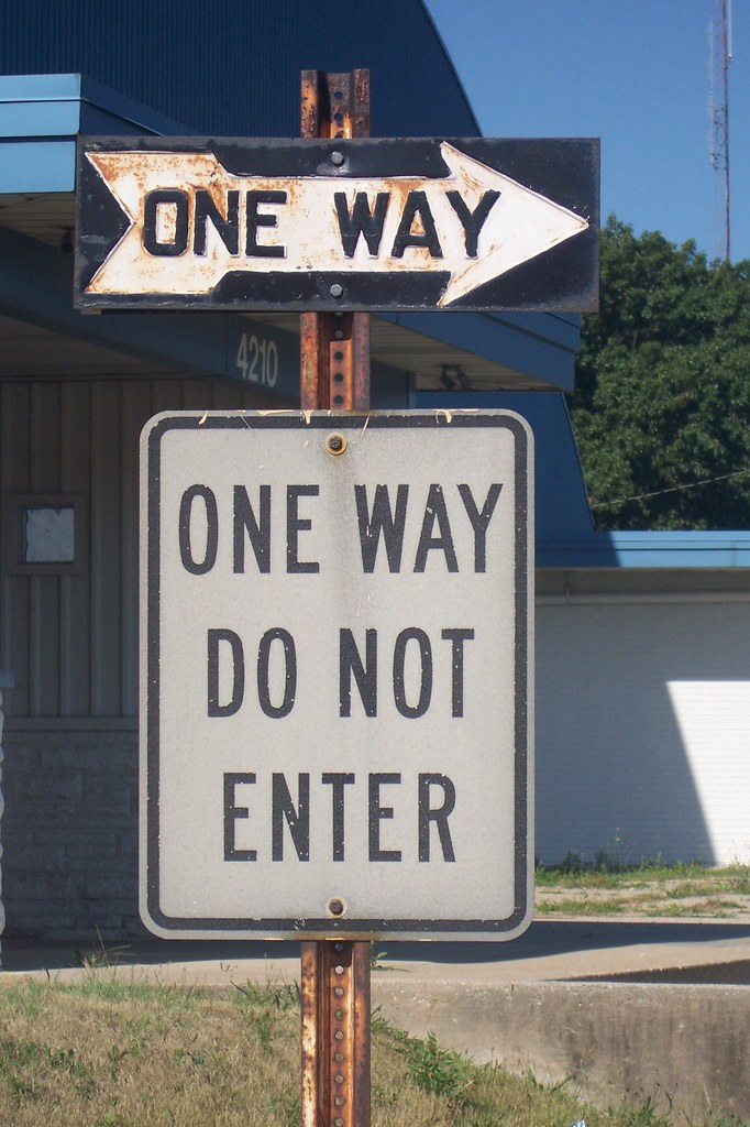Old One Way sign | I can sense the sign collectors salivatin