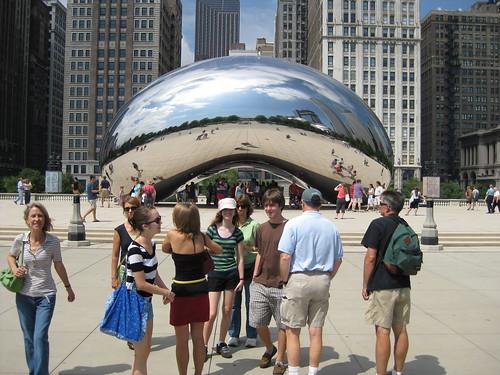 Anish Kapoor's Cloud Gate Sculpture in Chicago's Millennium Park | by neighborhoods.org