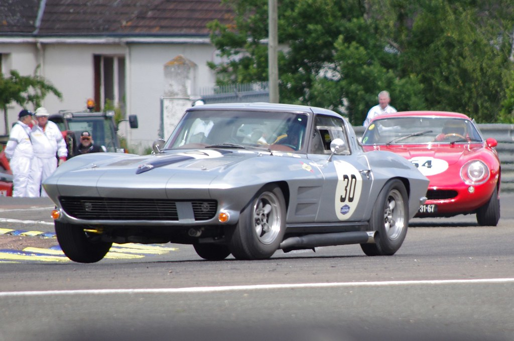1963 Corvette Stingray and a 1966 Ferrari 275GTB | Le Mans 2… | Flickr