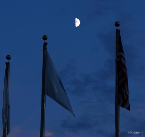 pink blue sunset sky moon 3 sundown flags luna brass selena halfmoon finials moonlover dsc0058 ms❤2 08092008 185732 circlesandthemoon atthecharles iamalunatic i❤◯
