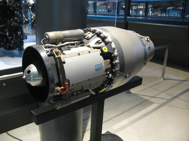 Missile engine