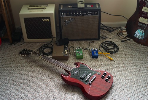 Gibson SG Comes To Tiny Amp Town, July, 2009 | by Maggie Osterberg