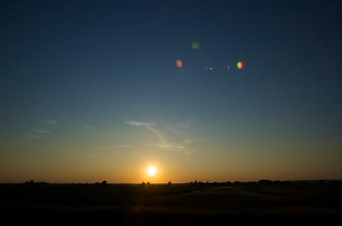 sunset canada silhouette time flare fromacar d40 québec imagetype nikond40 photospecs houdahgeo afsdxnikkor1685mmf3556gedvr afsdxvrzoomnikkor1685mmf3556ged