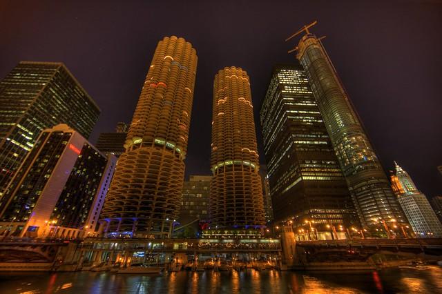 Marina City @ Night (HDR) (II)