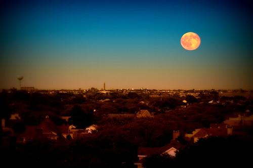 moon newyork geotagged dusk watertower longisland full longbeach hdr robertmoses mudpig stevekelley