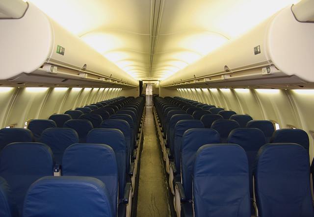 Delta Air Lines Boeing 757 2q8 N705tw New Cabin Interi Flickr
