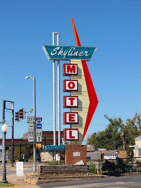 The Skyliner Motel - Stroud, Oklahoma | A fantastic sign at … | Flickr