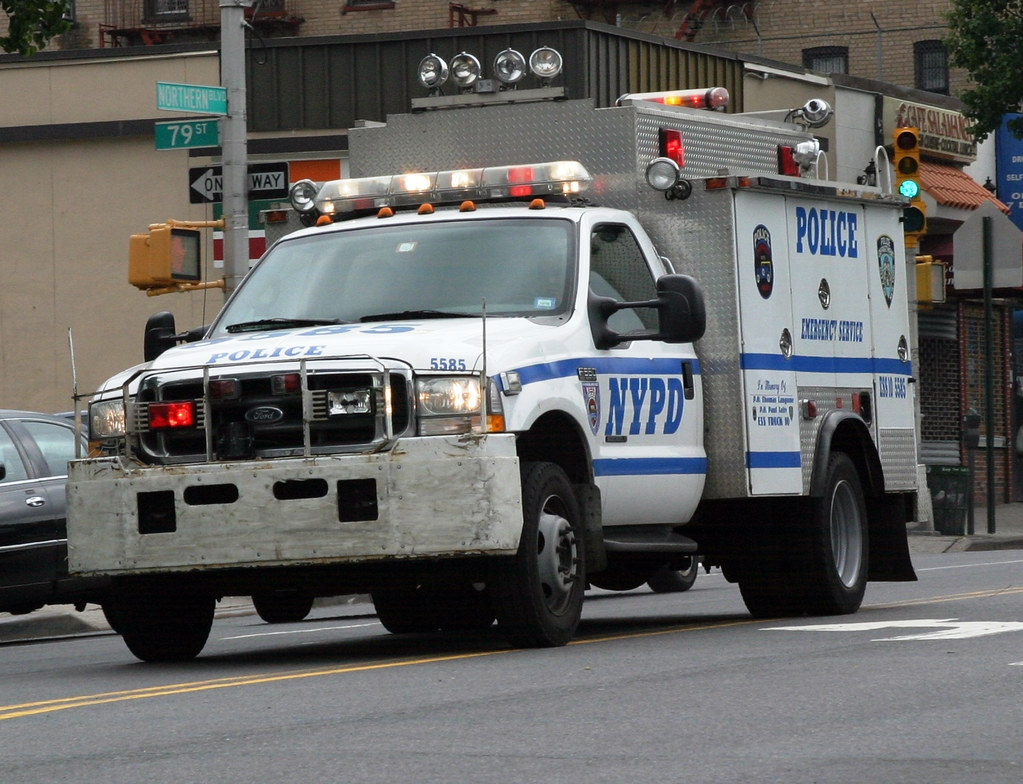 NYPD Emergency Services Unit (ESU) SWAT/Rescue Truck 10 RE ...
