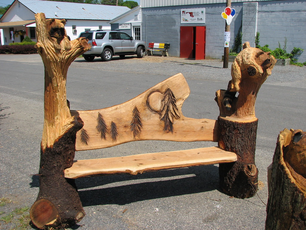 Bench with chainsaw carvings bench with chainsaw carvu flickr