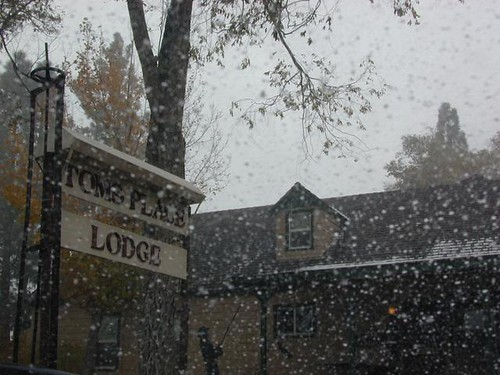 Tom's Place Lodge