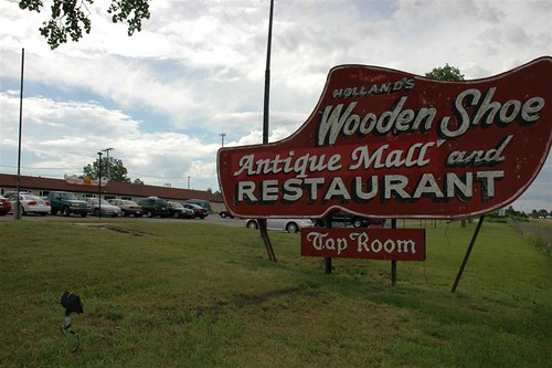 Wooden Shoe Restaurant And Antique Mall Rowlandweb