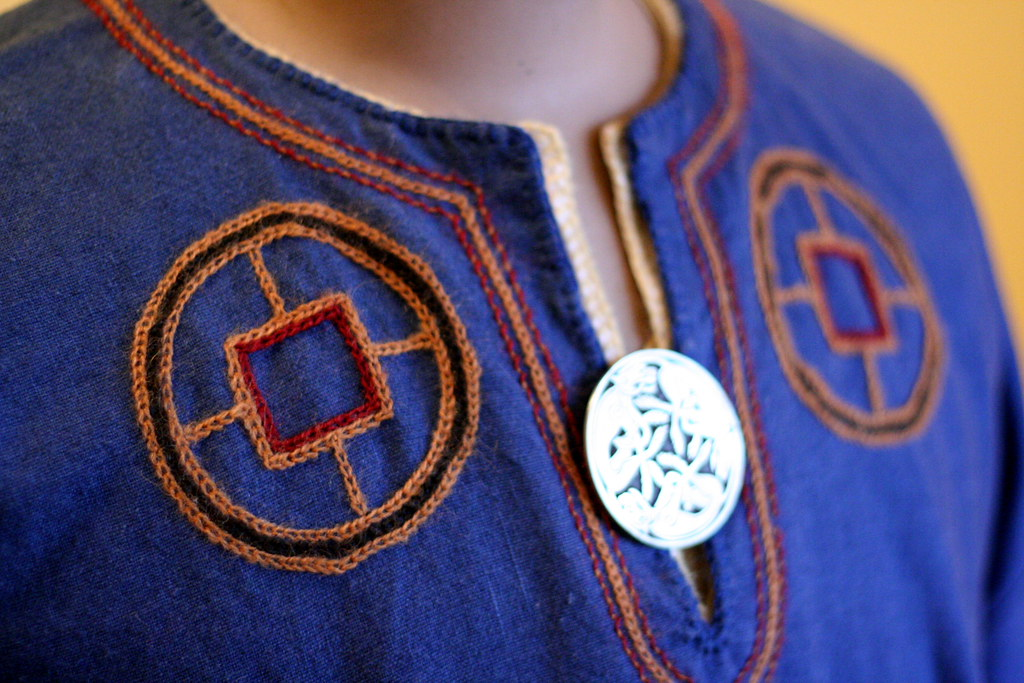 Blue Viking Tunic Embroidery I Made These Viking Costumes Flickr