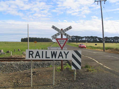 Railway crossing | by Daniel Bowen