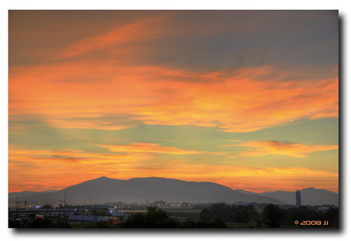 morning sky mountains color tower cheese clouds sunrise dawn virginia nikon control magic donkey hdr d300 photomatix aspenglow preglow