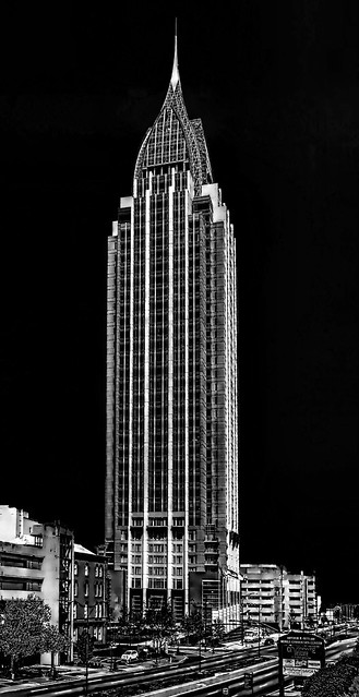 RSA Battle House, 11 North Water Street, Mobile Alabama, USA /  Completed: 2007 / Architects: Thompson, Ventulett, Stainback & Associates, Inc. / Smith Dalia Architects / Height: 745.01 ft / Floors (above ground): 35 / Floors (below ground): 1