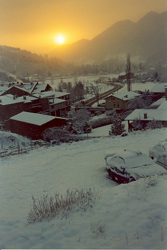 snow sunrise landscape analógica hiver nieve catalonia girona amanecer invierno neige catalunya cataluña pyrenees neu pyrénées santantoni pirineo pirineu hivern catalogne blueribbonwinner ripollès llanars valldecamprodon sortidadesol escàner altavalldelter