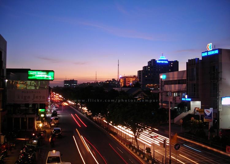 Good Evening Balikpapan 2 Night Falls At The Heart Of Ba Flickr