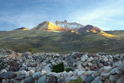travel southamerica landscape volcano peak bolivia paisaje international crater summit saltflat salardeuyuni sudamérica volcántunupa