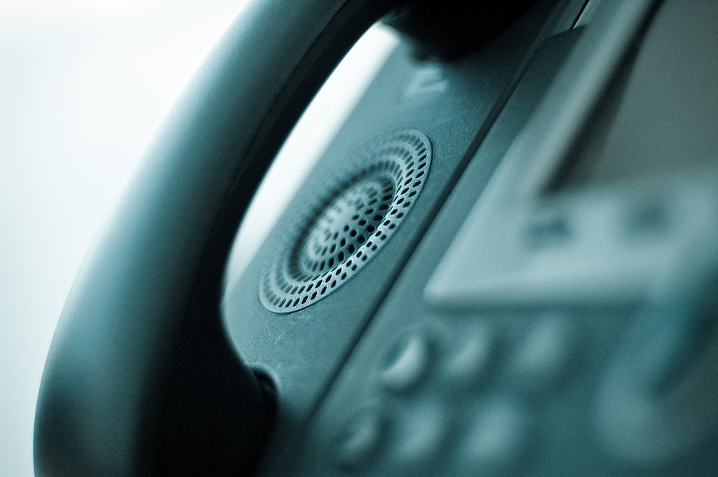 VoIP vs traditional phone system