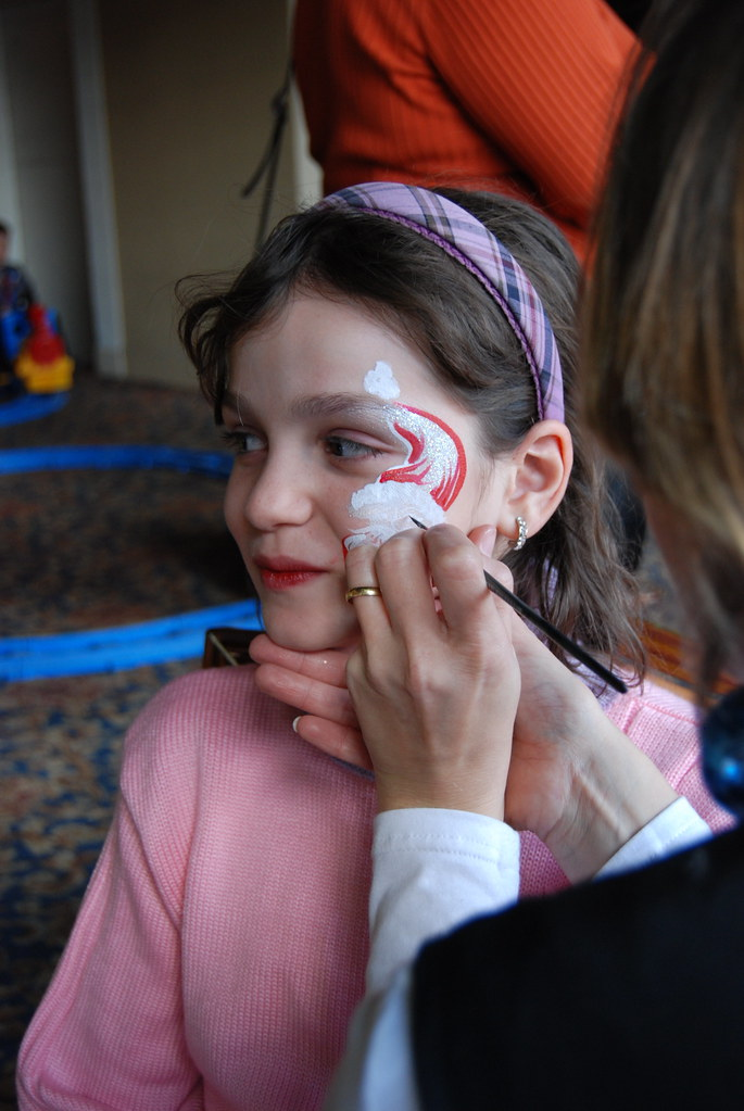 Christmas Face Paint.Christmas Face Painting Christmas Holiday Face Painting In