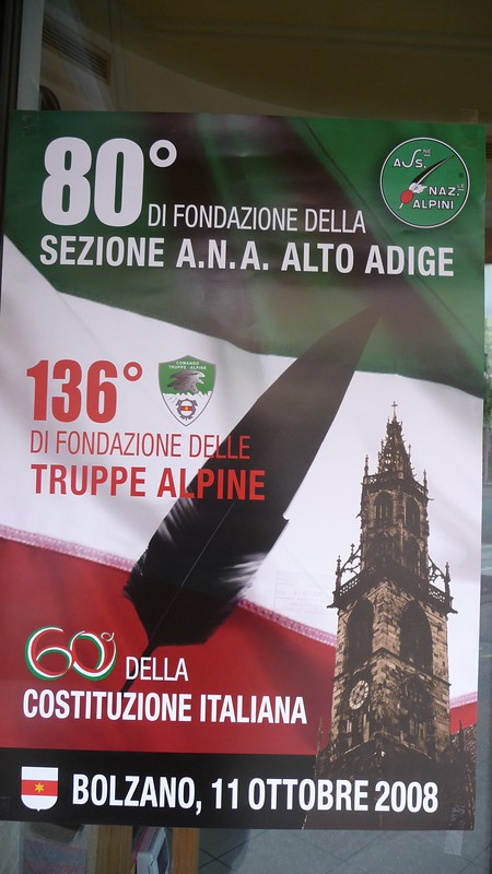 20081011 Alpiniaufmarsch beim Mussolinidenkmal (0)
