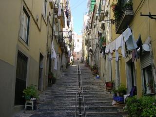 2002-10-26 11-15 Andalusien, Lissabon 257 Lissabon, Alfama   by Allie_Caulfield