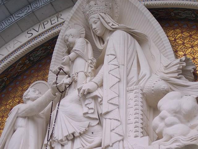 Lourdes basilica - typanum