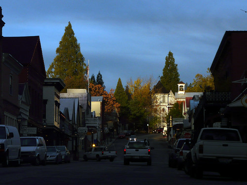sunrise dawn downtown nevadacity commute norcal historicdistrict miningtown broadst nevadacounty nevadacityca