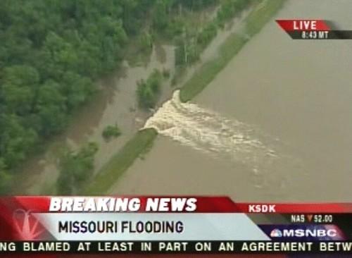 Missouri levee breach | Uploaded by FlickrFan  | Flickr