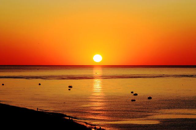 Alba d'estate - la scia del sole