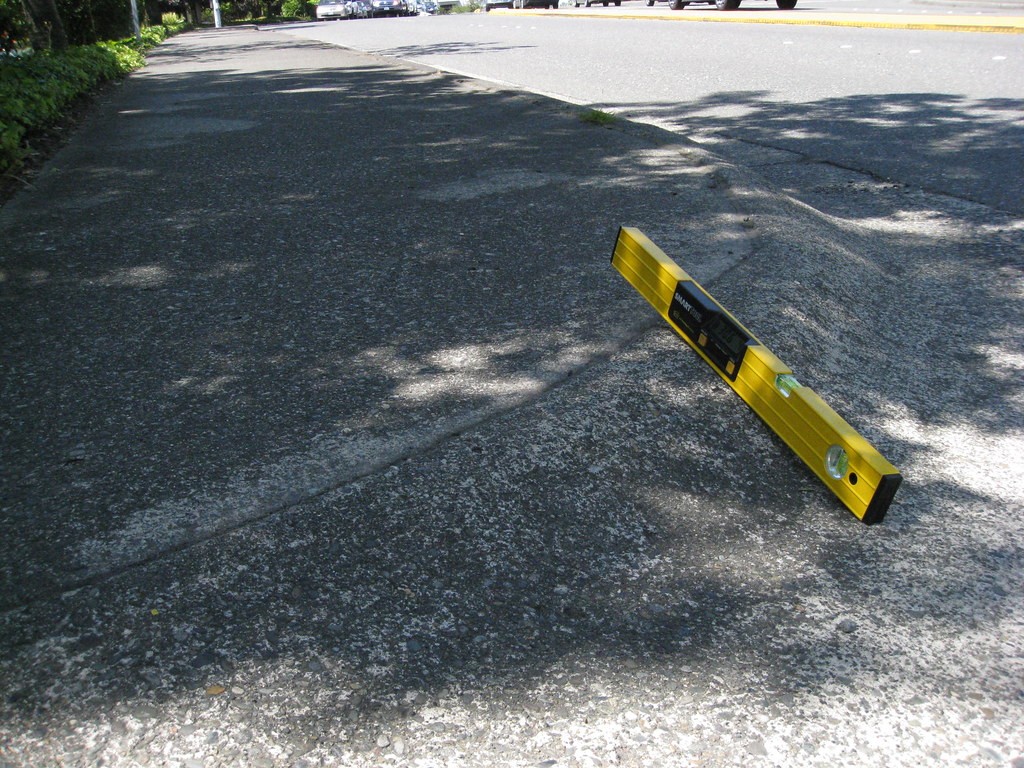 124th Ave NE & BelRed Road 2 (Steep driveway flares) | Flickr