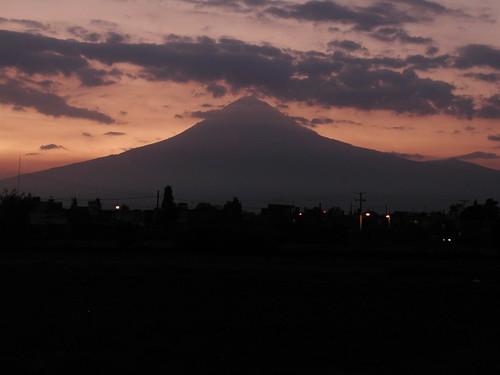 Sunset behind el Popo
