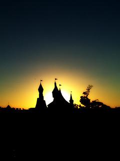 Hopi Hari Sunset - Kastel di lendas