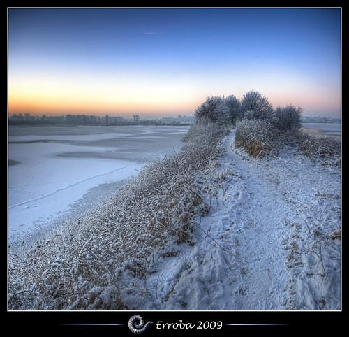 lake snow tree ice grass photoshop sunrise canon rebel frozen frost belgium belgique path tripod belgië sigma naturereserve tips remote 1020mm erlend hdr mechelen cs3 3xp photomatix tonemapped tonemapping xti 400d vertorama hetbroek erroba robaye erlendrobaye