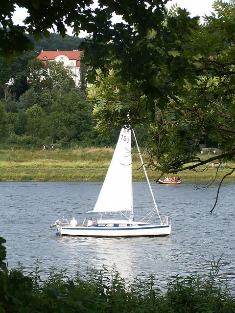 Das Segelschiff ist kein englischer Kauffahrer auf der Elbe 020
