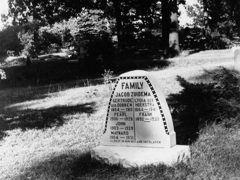 The Zuidema Family Monument At Garfield Park Cemetery Gra Flickr