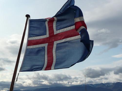 iceland flag   by ezioman