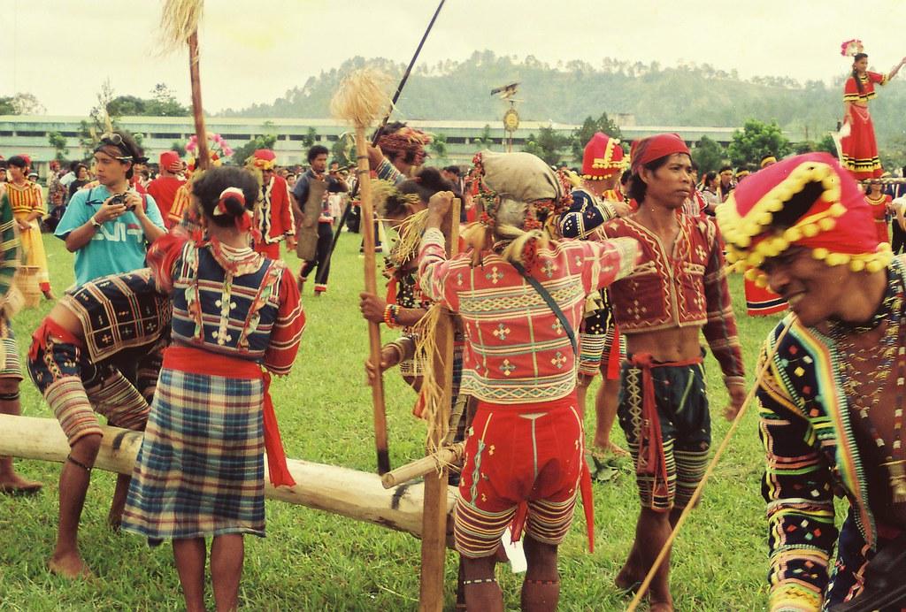 Bangkakaw : Tigwa Manobo Log Dance | A long log called bangk