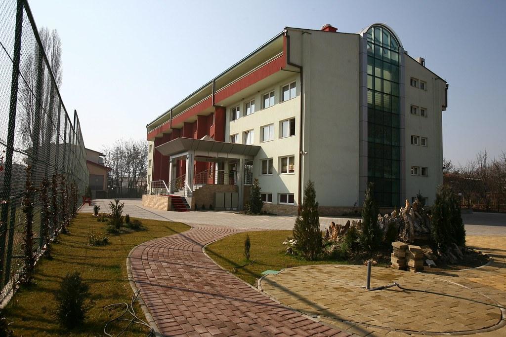 Yahya Kemal college Skopje in Butel | Јахја Кемал колеџот во