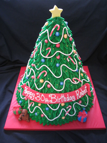 3D Christmas Tree cake | by Giggy's Cakes and Sweets