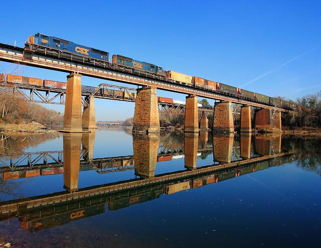 2 Trains on 2 Trestles